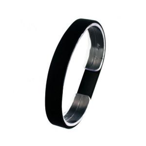 Черный силиконовый браслет